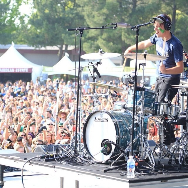 Robert Delong Performing in Napa - Booker and Butler Concierges